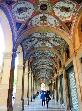 Bogata i očaravajuća Bolonja