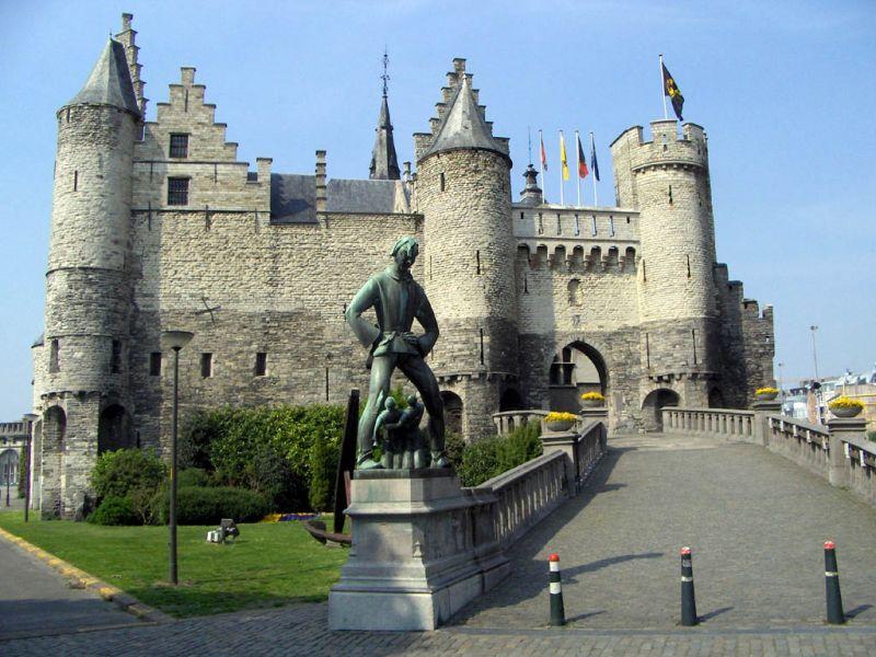 evropski-gradovi/amsterdam/antverpen-srednjevekovni-dvorac.jpg