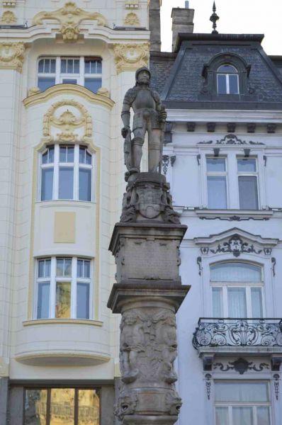 evropski-gradovi/bratislava/bratislava-fontana-na-glavnom-trgu.jpg