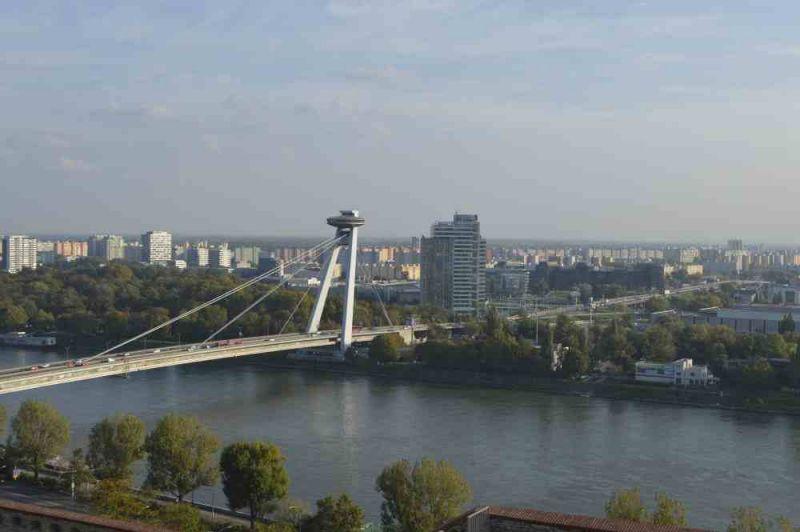 evropski-gradovi/bratislava/bratislava-pogled-na-novi-most.jpg