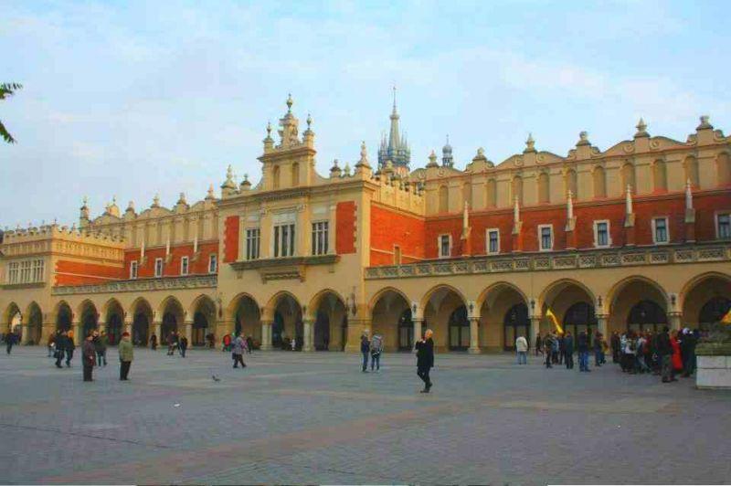 evropski-gradovi/krakov/krakow-gradska-trznica-sukiennice.jpg