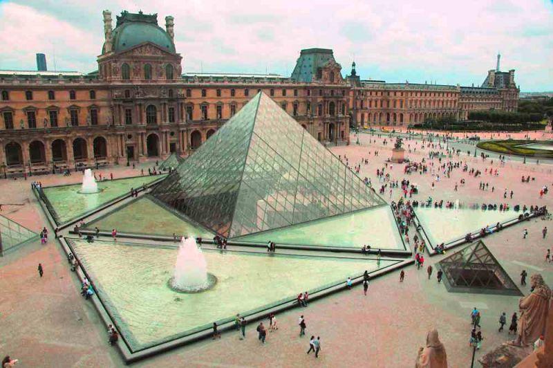 evropski-gradovi/pariz/luvr.jpg