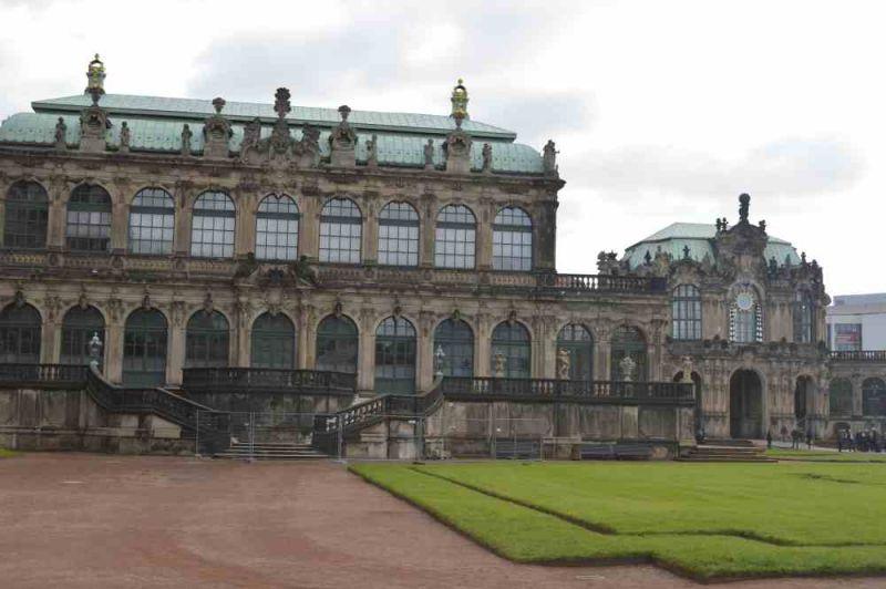 evropski-gradovi/prag/zwinger-palata[1].jpg