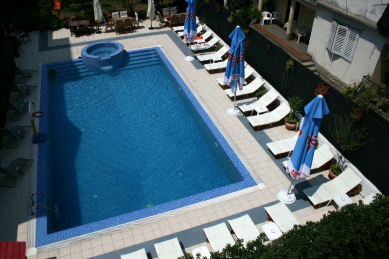 letovanje/crna-gora/budva/hotel-aquamarin/hotel-aquamarin-1.jpg
