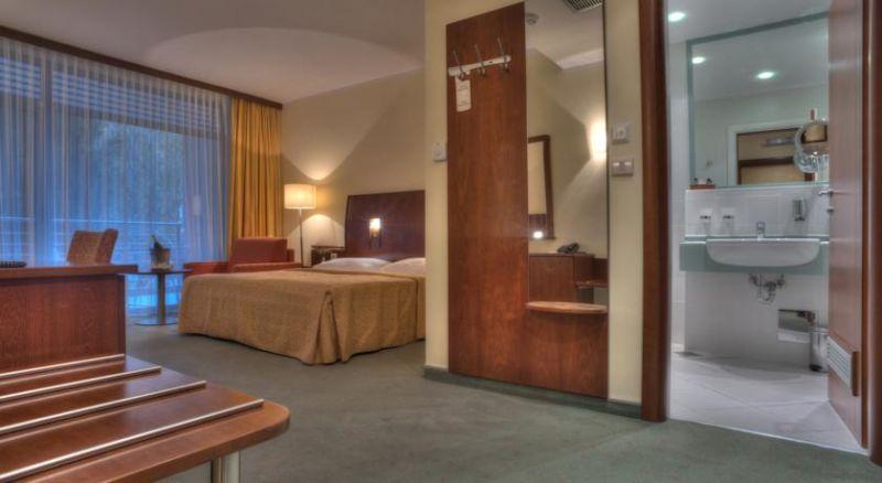 letovanje/crna-gora/petrovac/hotel-rivijera/hotel-rivijera.jpg