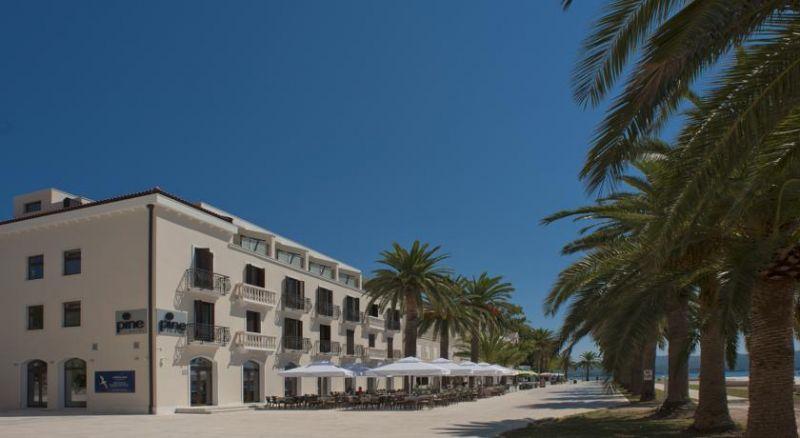 letovanje/crna-gora/tivat/hotel-pine/hotel-pine-1.jpg