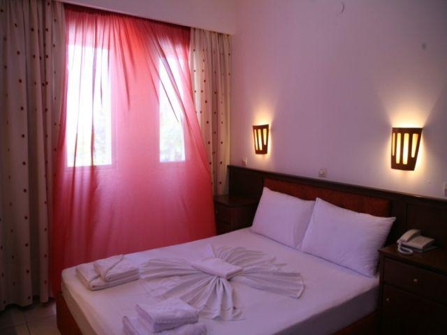 letovanje/grcka/grcka-hoteli/kasandra/hanioti/naias/naias-11.jpg
