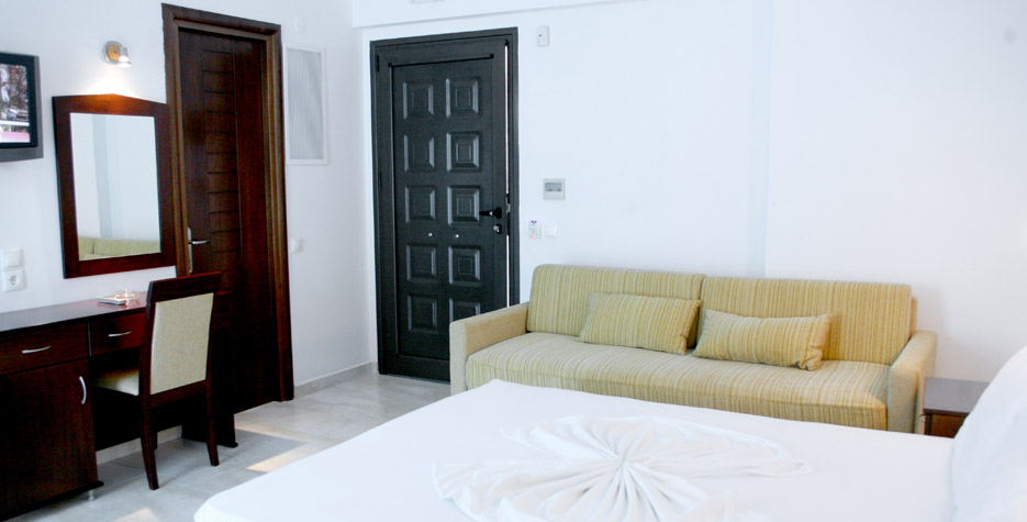 letovanje/grcka/grcka-hoteli/kasandra/hanioti/naias/naias-13.jpg