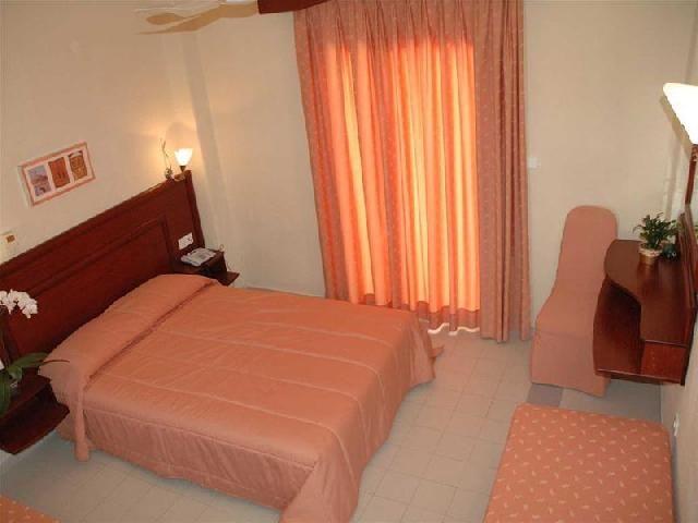 letovanje/grcka/grcka-hoteli/kasandra/loutra/loutra-beach/copy-of-loutra-beach-2.jpg