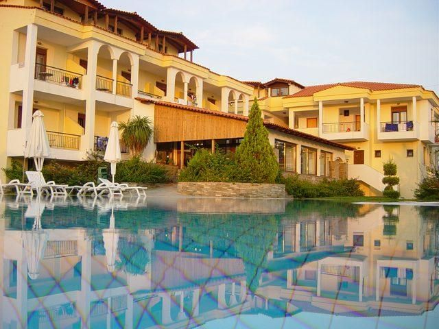 letovanje/grcka/grcka-hoteli/sitonija/nikiti/lili-ann-village-3/koviou-holiday-village-3-4.jpg