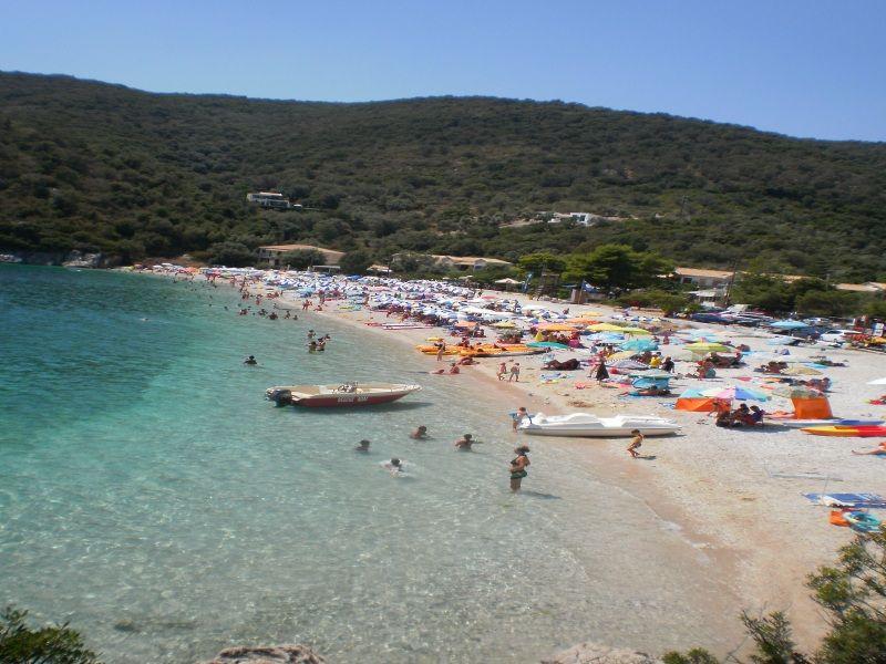 letovanje/grcka/lefkada/micro-gialos-beach.jpg