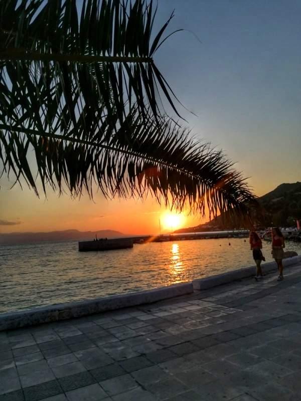 Grčka Lutraki zalazak sunca