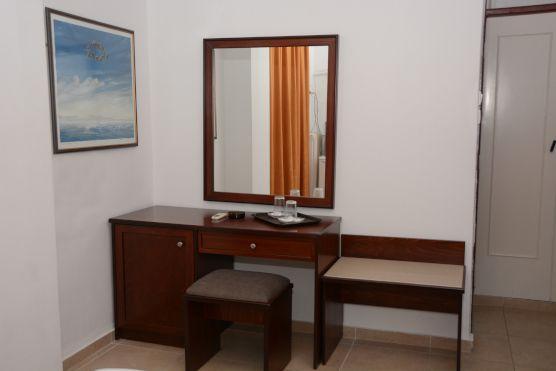 Lutraki-hotel-Achilion