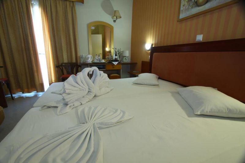 hotel-mantas-lutraki