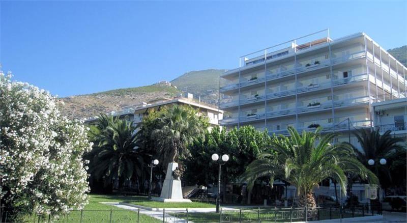 Hotel Park Lutraki