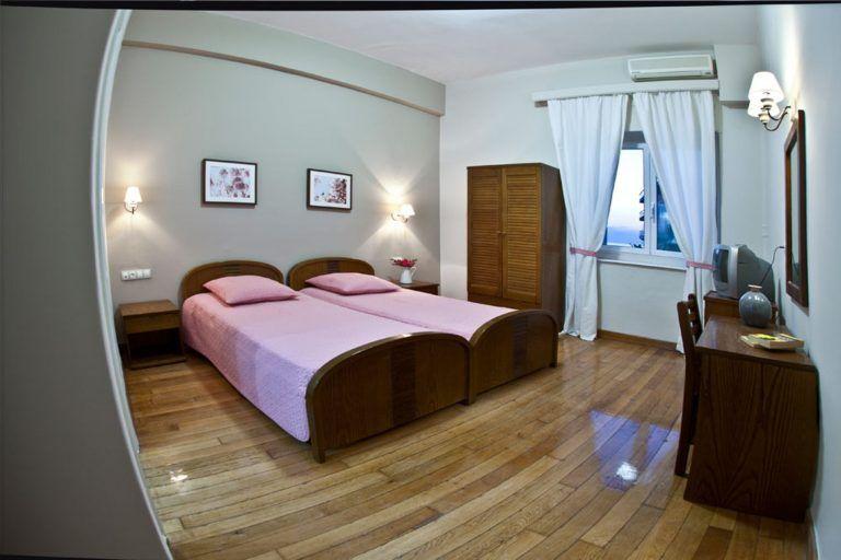 hotel-vasilikon-lutraki