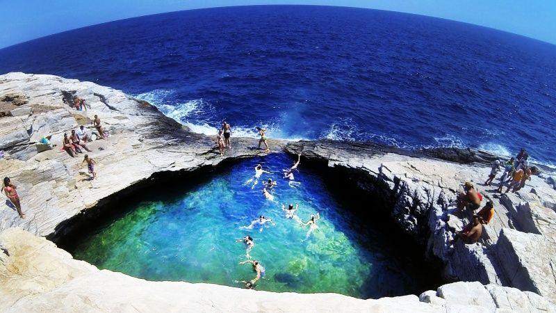 letovanje/grcka/tasos/tasos-stene-skakanje-u-vodu.jpg