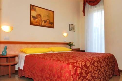 letovanje/italija/rimini/hotel-carolyn/hotel-carolin-1.jpg