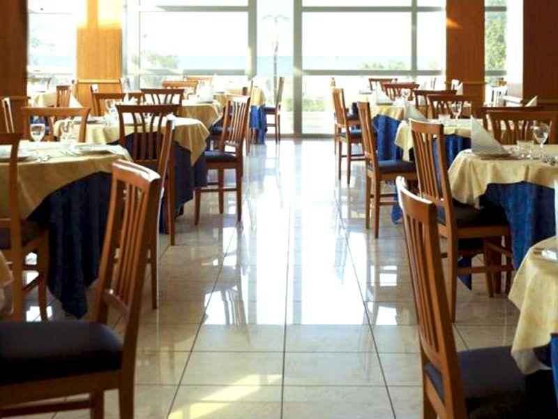 letovanje/italija/rimini/hotel-remin-plaza/remin-plaza-1.jpg
