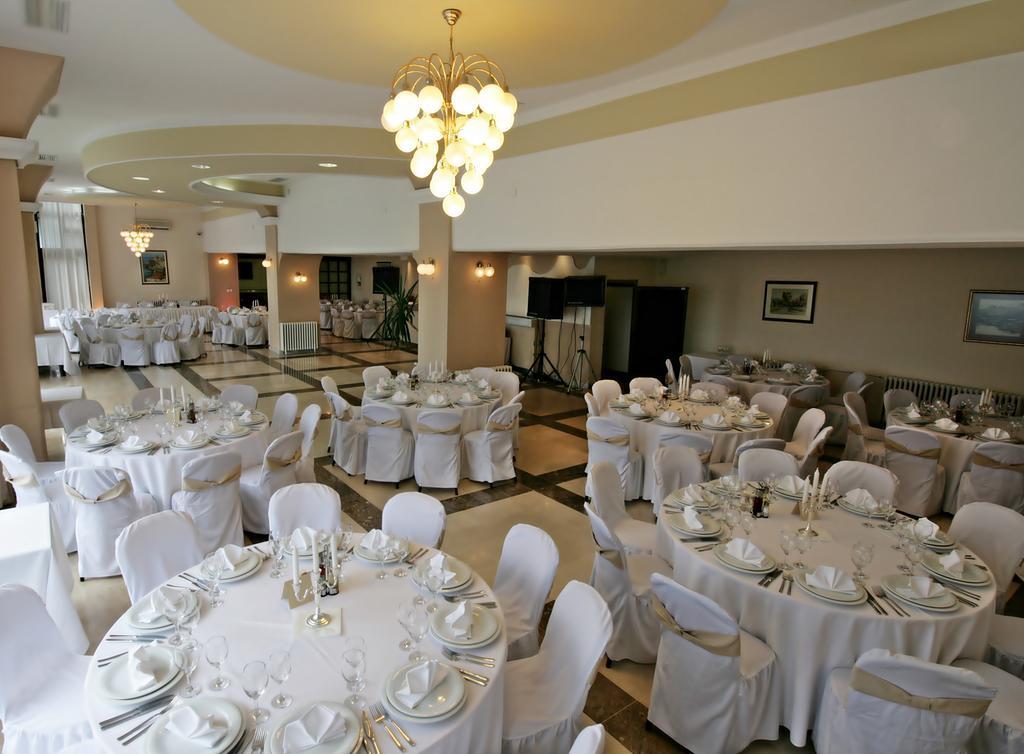 Hotel Belvi Restoran