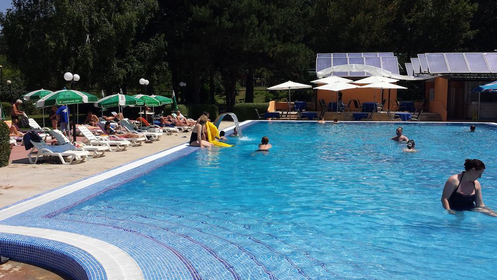 Hotel Belvi Bazen